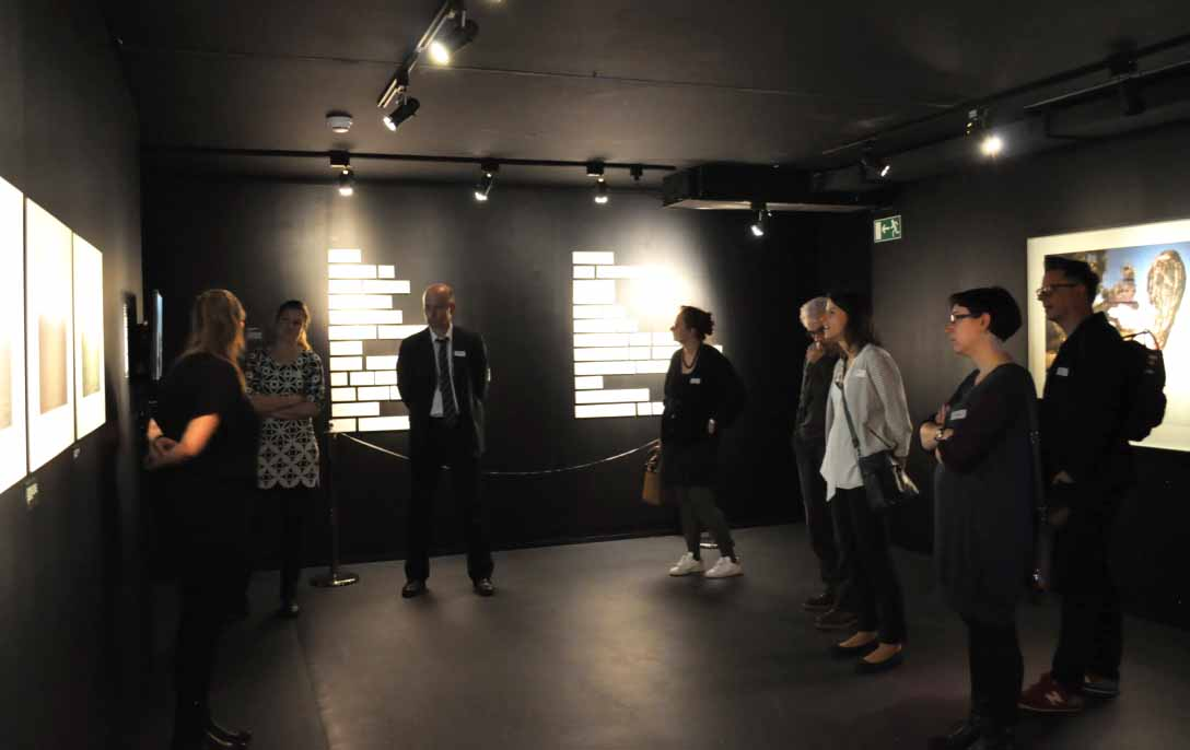 "Guided tour of the exhibition ""Violences"" with Ms. Roxanne Currat, curator of the Musée de la main UNIL-CHUV"
